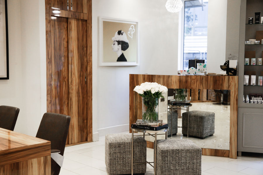 The reception dest at the best hair salon in Mayfair - Hiro Miyoshi